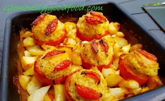 rice-stuffed tomatoes with potatoes
