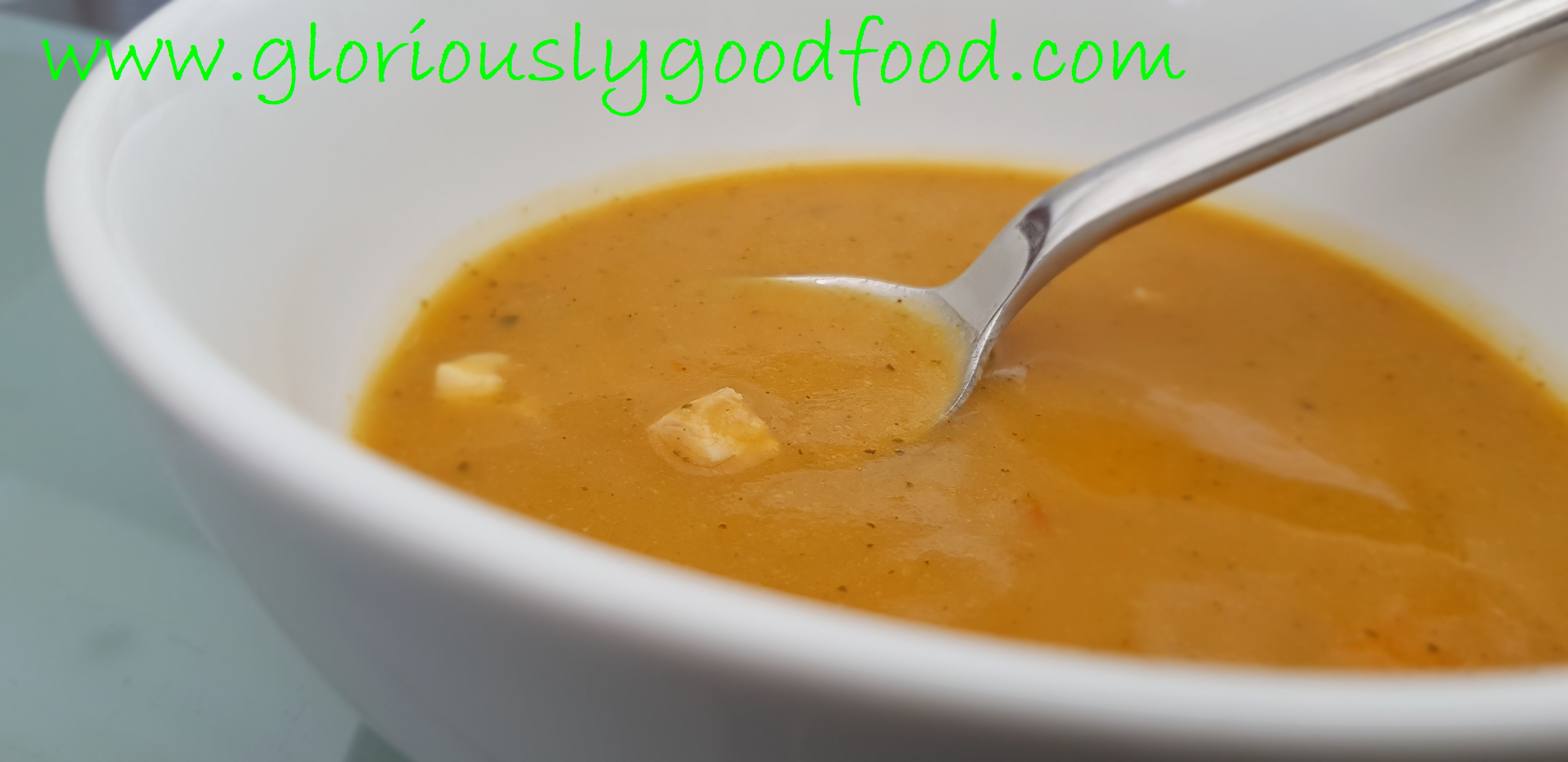 Hearty vegetable soup with tomatoes and chicken - gloriouslygoodfood.com